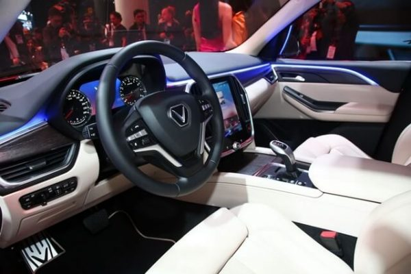 Khoang lái của mẫu SUV Vinfast Lux Sa2.0