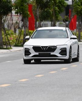 5 Điểm gây ấn tượng mạnh mẽ của thế hệ đầu tiên xe Vinfast Lux